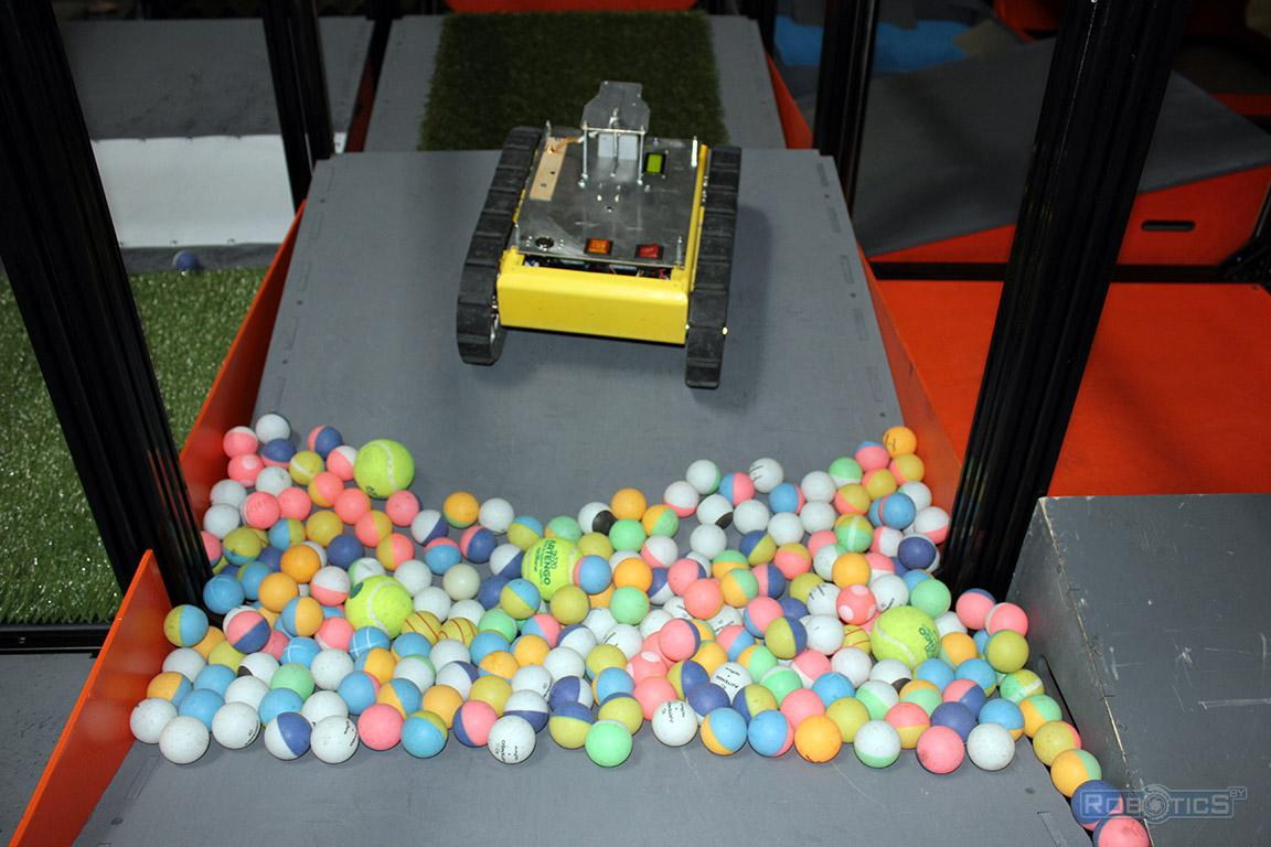 Elastic balls of different diameters - nonlinear dynamic obstacle landfill CRDI RTC competition of «Cup of RTK».