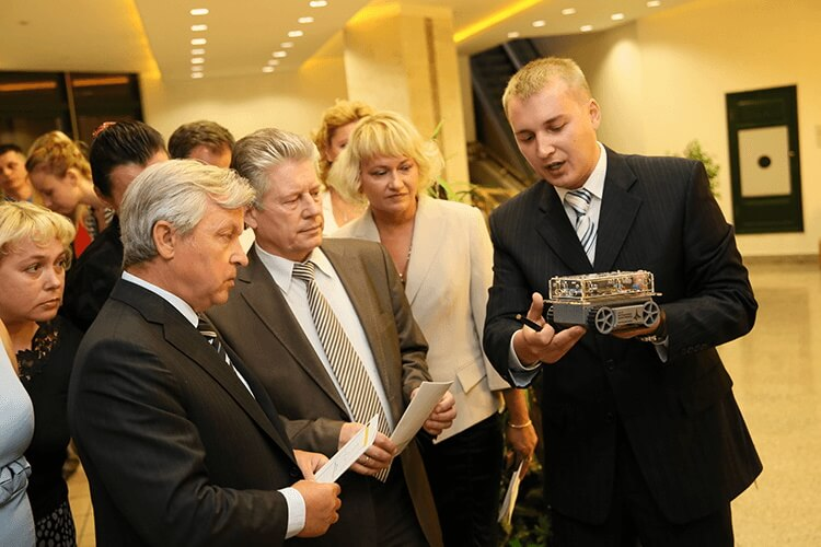 Demonstration of a robot for the educational complex on robotics to the Minister of Education of the Republic of Belarus