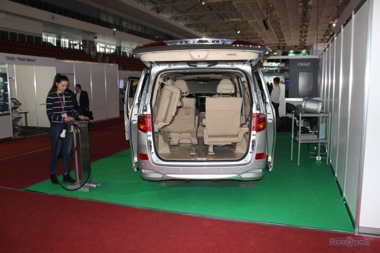 Commercial electric vehicle (minivan type) presented by the Joint Institute of Mechanical Engineering of the NAS of Belarus