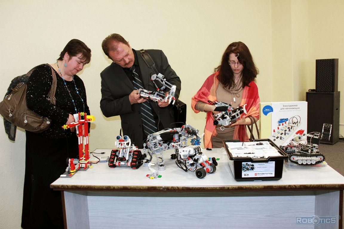 Знакомство преподавателей дополнительного образования с робототехническими наборами LEGO® MINDSTORMS® EV3