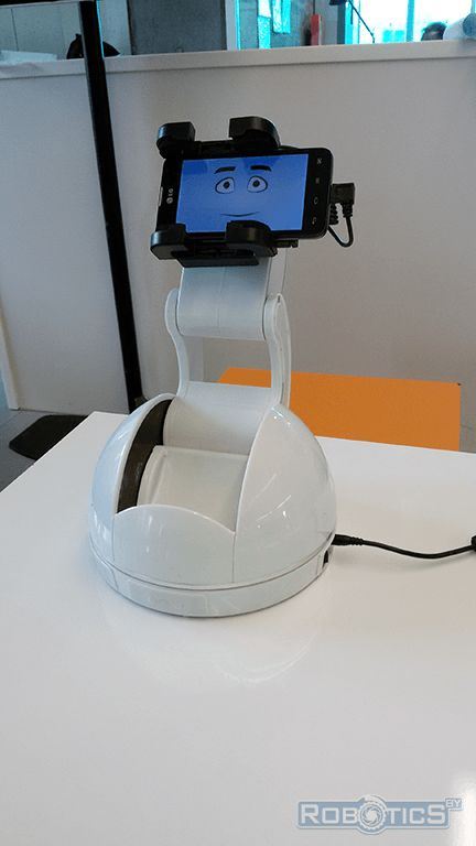 Robotic Holder for smartphone Android.