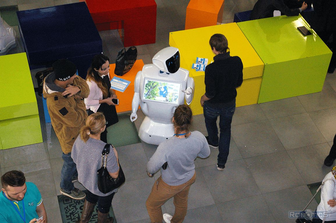 Promorobot «communicate» with the visitors of the III International Conference «Skolkovo Robotics».