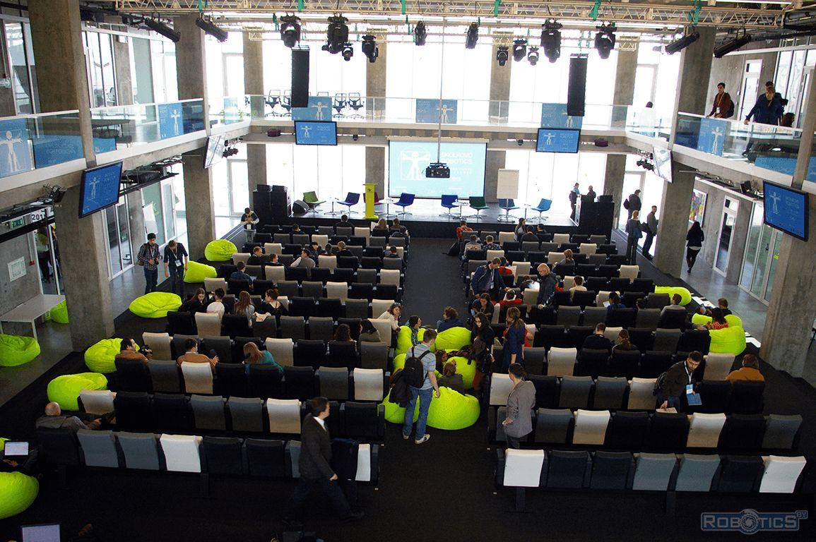 Зал конференции Международной конференции «Skolkovo Robotics».