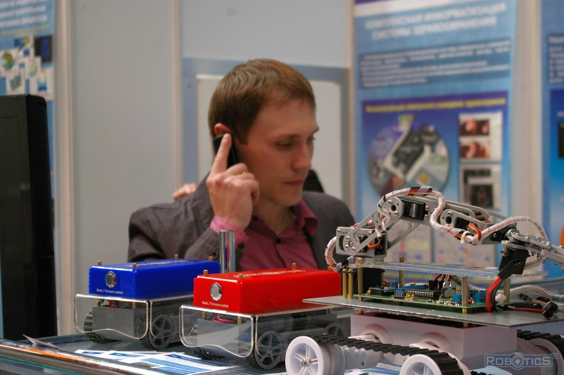 Stand-robots at the show arena «TIBO-2014».