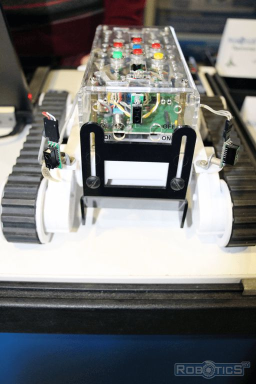Tracked autonomous robot with neural network controller.
