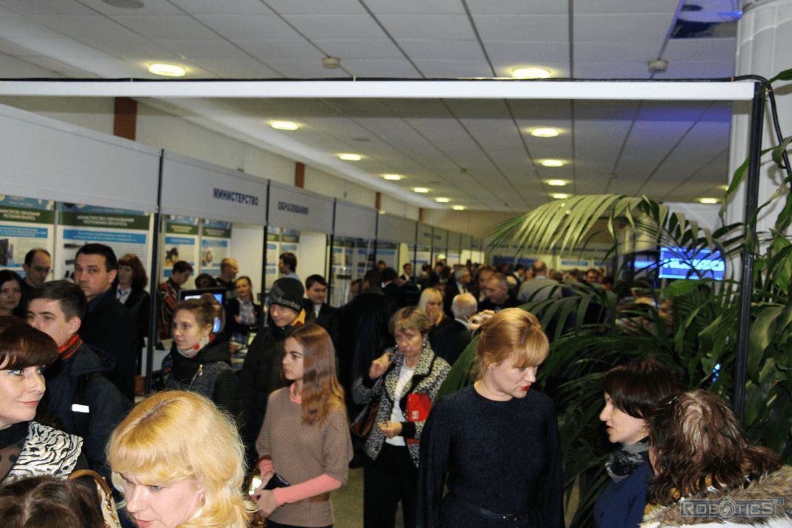 Visitors to the exhibition dedicated to the Day of Belarusian Science.