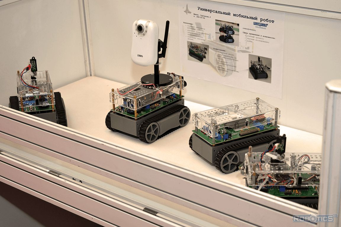 Demonstration of the universal mobile robots.