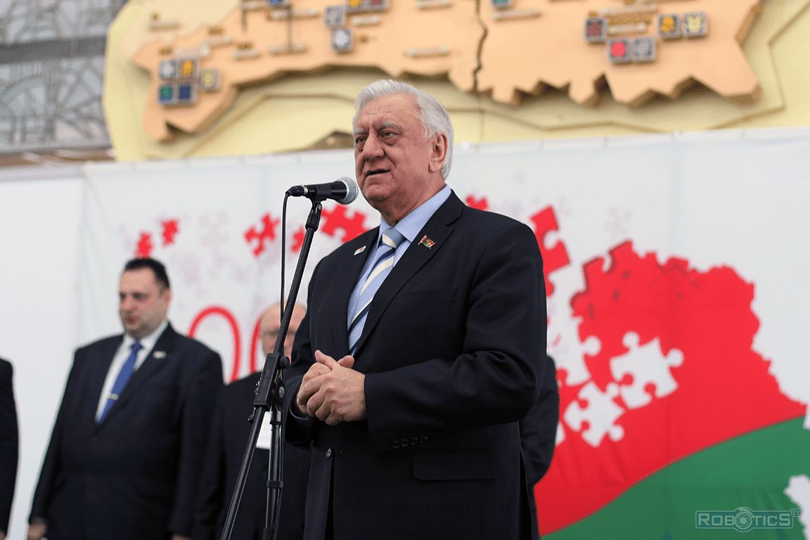 Mikhail Myasnikovich on the project «100 ideas for Belarus».