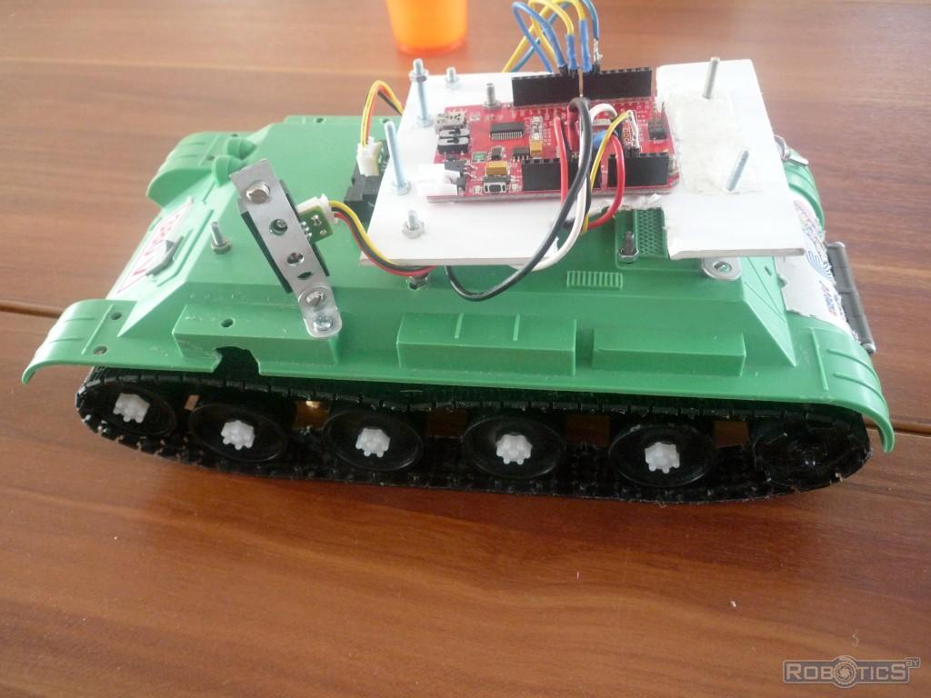 Mobile robot with tracked chassis.