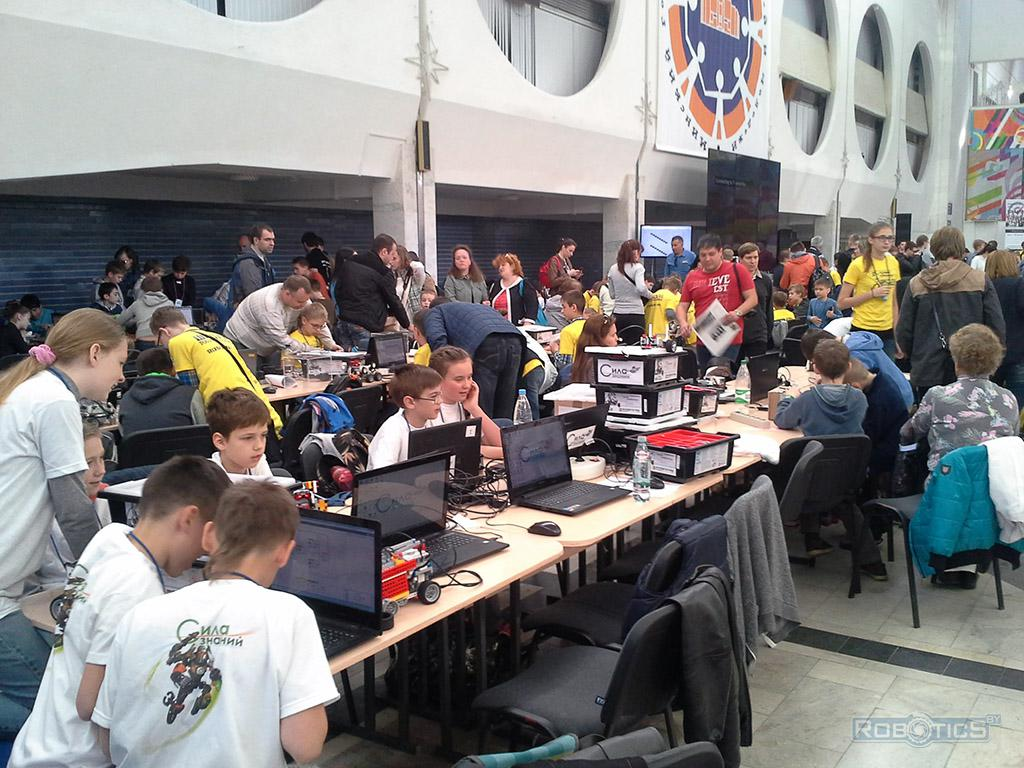 IV Minsk open Roboturnir - competitive area.