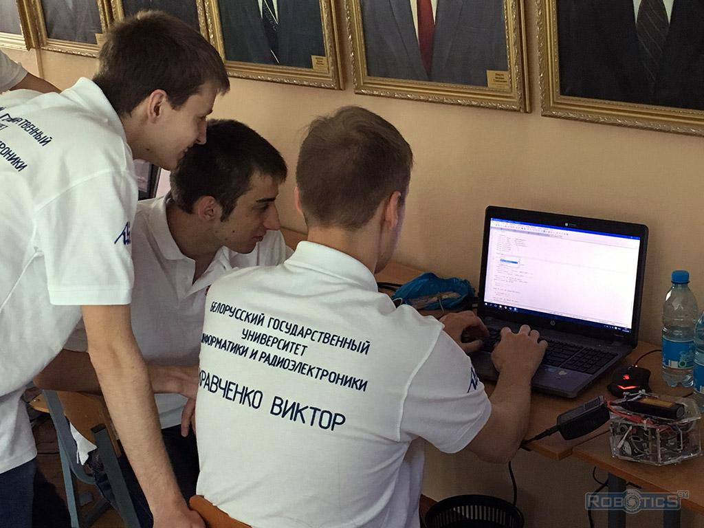 Программирование робота 'RoboCake Student'.