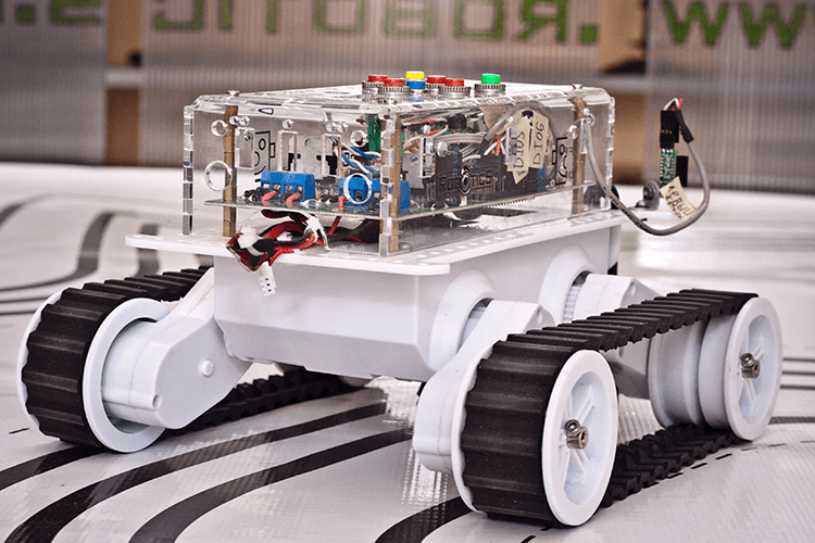 Autonomous mobile robot with neural network control