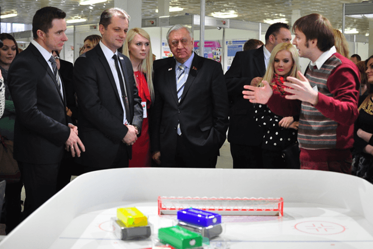 "A demonstration of robo-hockey at the national youth competition ""100 ideas for Belarus"" 2015"